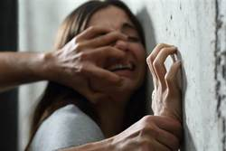 女學生眼盲 竟遭2狼師不斷性侵