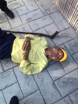老翁躺人行道「消暑」嚇壞路人 女警急送返家