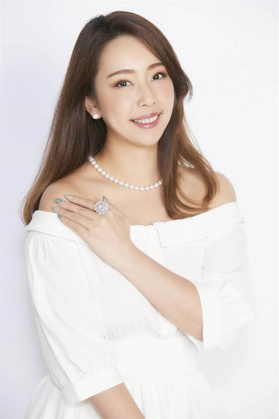 東森購物1~10月總體營收YOY成長24 %,拼雙11再戰全年最高峰,美鑽珍珠破例下殺8.9折起。圖/業者提供