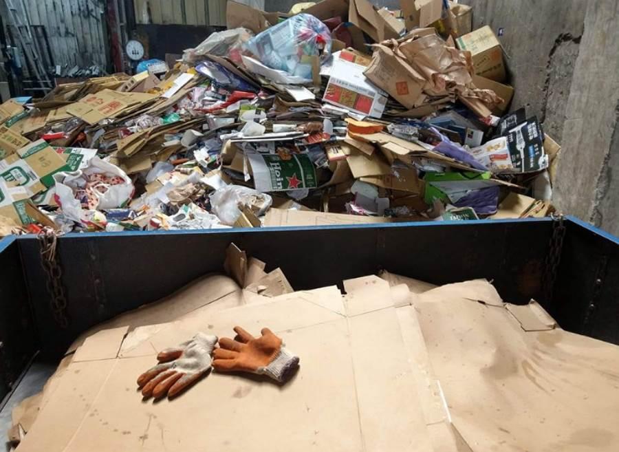 回收58公斤紙僅賺69元 網嘆好心酸(圖/ 摘自臉書@爆廢公社)