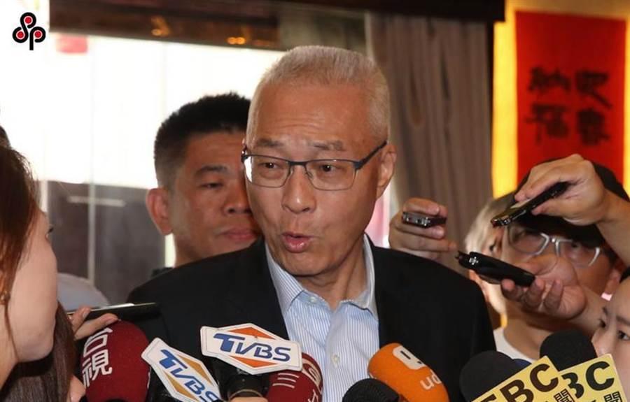 國民黨主席吳敦義今(8)日呼籲讓總統參選人韓國瑜當選、國民黨立委全壘打、政黨票也請投給國民黨。(圖/本報系資料照)