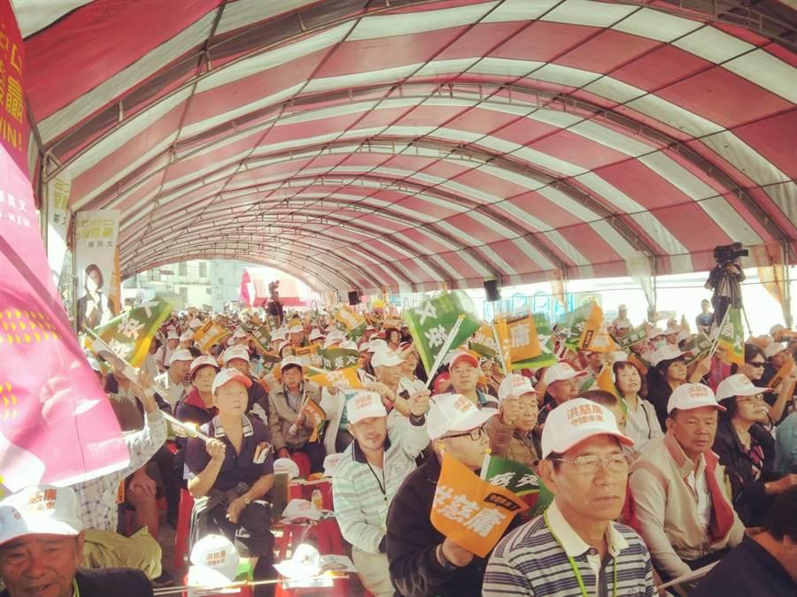 蔡英文、洪慈庸神岡聯合競總9日成立,吸引上千支持者湧入力挺。(陳淑娥攝)