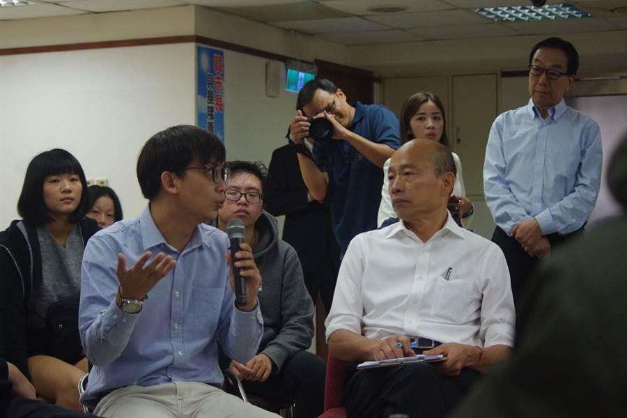 韓國瑜今天到基隆與青年座談。(許家寧攝)