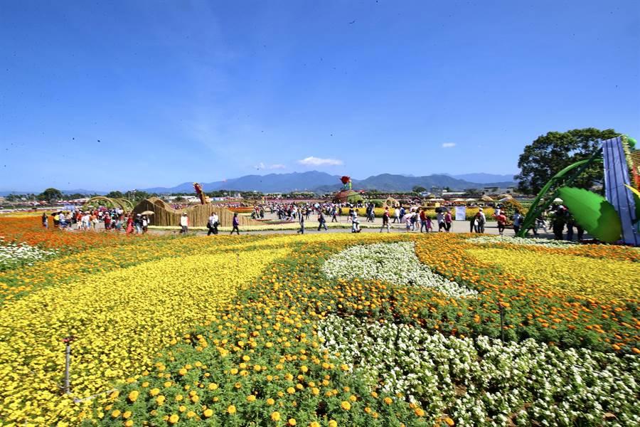 新社花海展現花卉主題、可食地景及種苗場研發成果。(陳淑娥攝)