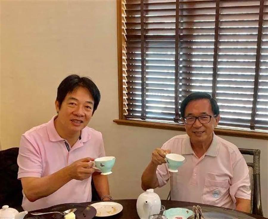賴清德(左)曾前往探視陳水扁(右),兩人並共喝下午茶。(取自陳水扁臉書)
