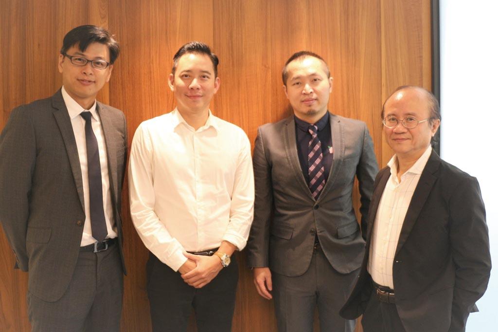 天富滙顧問蕭光超(左起)、創辦人高士偉、萬達鴻顧問林修平及總監吳世廷組合猶如超級加速器,協助新創轉型。圖/業者提供