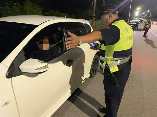 金門警方7日起連3天執行交通大執法,共舉發違規47件。(警方提供/李金生金門傳真)