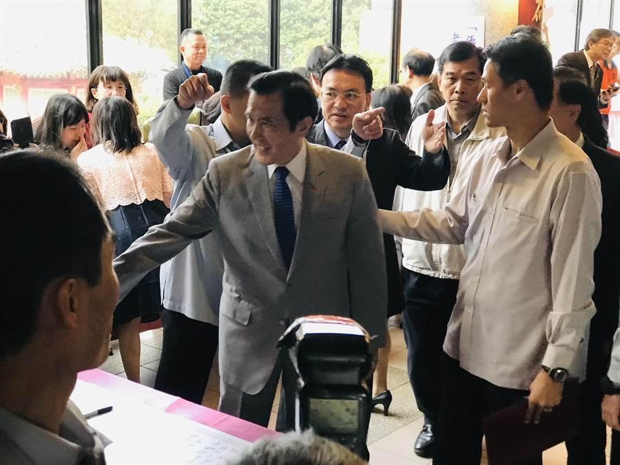 前總統馬英九10日上午出席劍潭活動。(張穎齊攝)