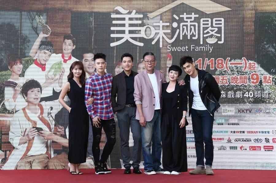 林昀希(左起)、JR紀言愷、王傳一、龍劭華、苗可麗與羅宏正合拍新戲。(東森提供)