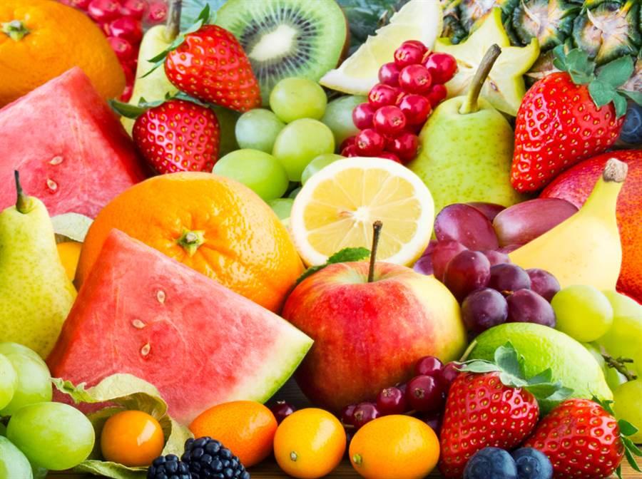 美國俄亥俄州立大學研究指出,吃蘋果月減40%壞膽固醇。