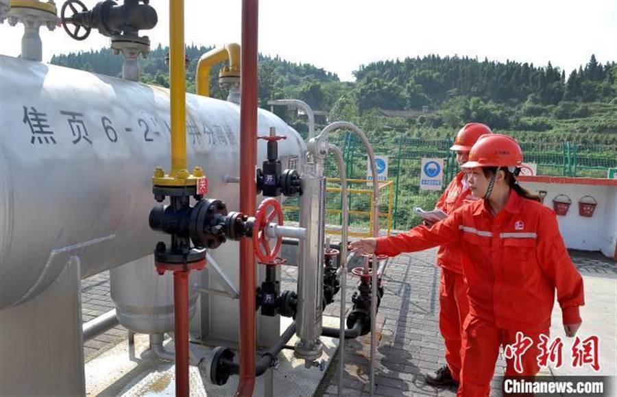 重慶涪陵葉岩氣田焦頁6-2HF井累產突破3億立方米。(照片取自中新網)