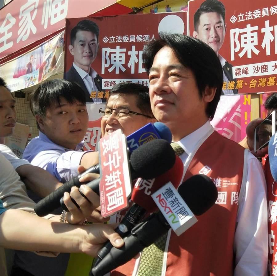 前行政院長賴清德表示,對張善政當初協助台南市重建,對他心存感激。(陳淑娥攝)