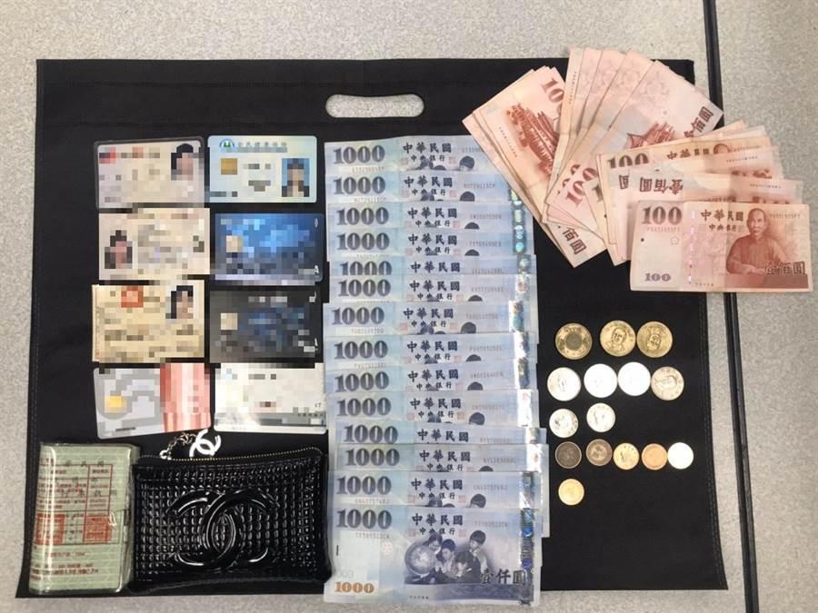 一名號稱5秒偷包賊的陳姓慣竊在士林地區連犯72案遭警方逮捕。(北市刑大提供/戴志揚台被傳真)