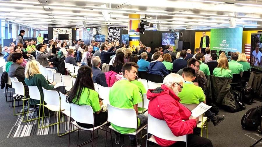 ▲今年10月份在英國曼徹斯特BBC媒體城舉辦的2019 micro:bit LIVE座談會。(林宏哲提供/楊樹煌南投傳真)