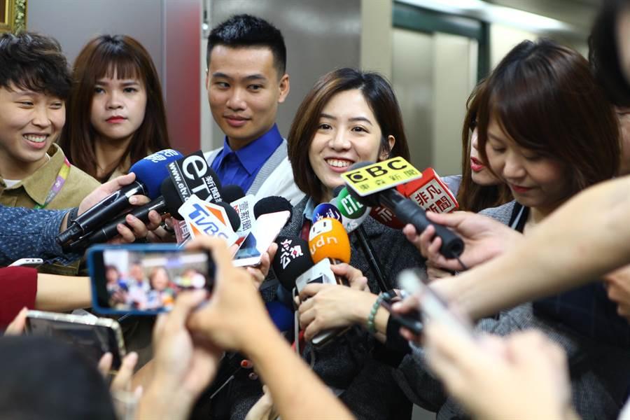 北市府副發言人黃瀞瑩11日傳出與主跑北市府的電視台男記者熱戀。(本報資料照片)
