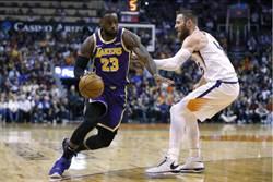 NBA》庫茲馬兩記三分 湖人客場轟垮太陽