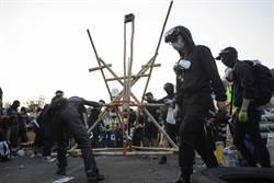 港中大衝突 警方:發射1567枚催淚彈拘捕142人