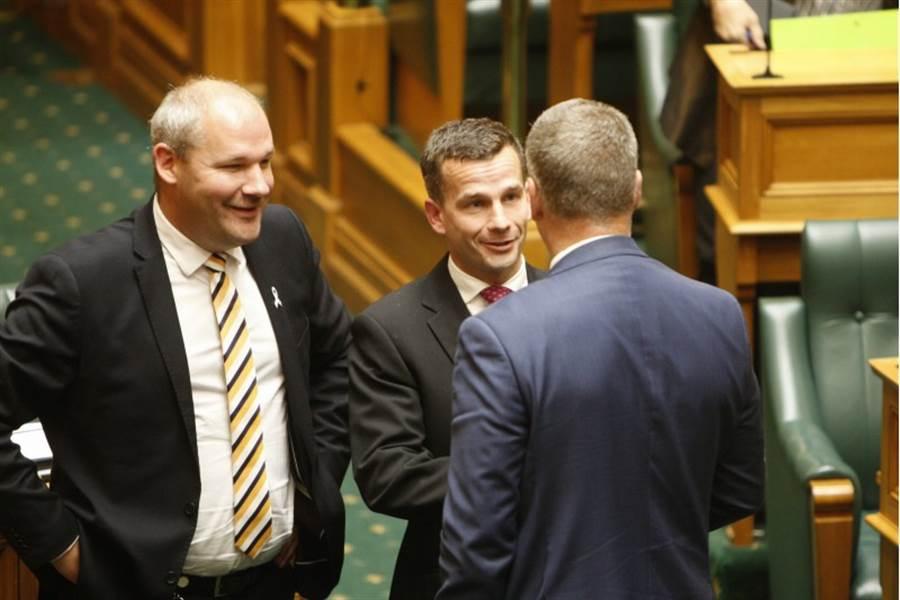 紐西蘭國會13日通過安樂死法案,法案發起人、紐西蘭行動黨黨魁西莫在投票前指出,他有信心法案會過關。(美聯社)