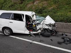 台2線驚傳車禍  兩車對撞車頭全毀