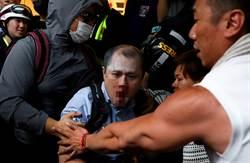 影》港男與示威者口角遭數十人圍毆 滿臉是血