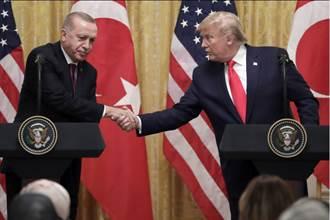 傻眼!上月才開打 川普稱土國總統與庫德族關係佳