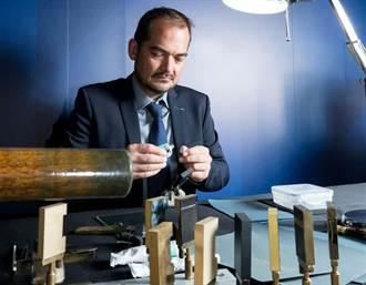 S.T. Dupont慶祝高訂10周年 漆藝大師來台獻技