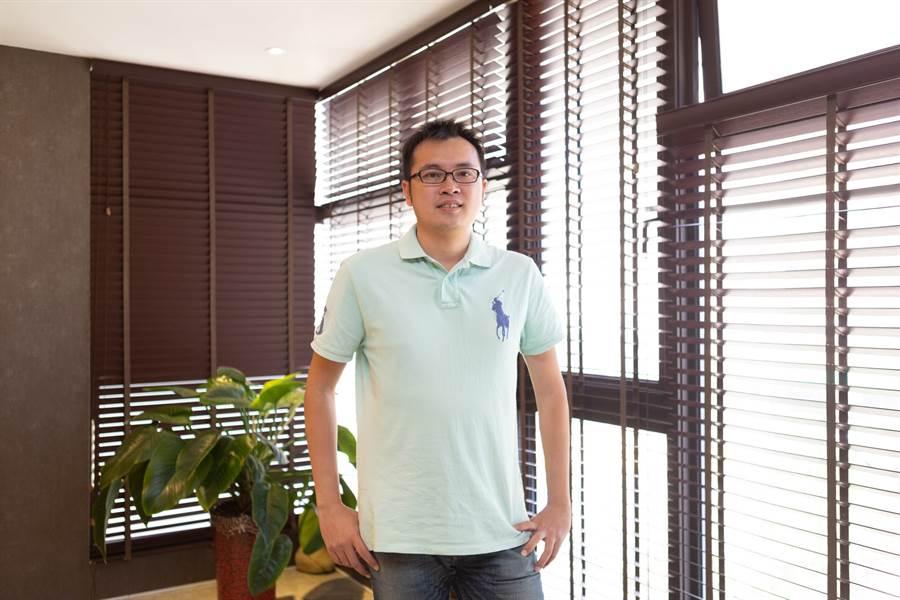 新耀開發董事長李洋宗表示,「川金匯」位桃園市中心精華地段,加上獨棟雙併、高營造品質,推出後受到許多客戶青睞。