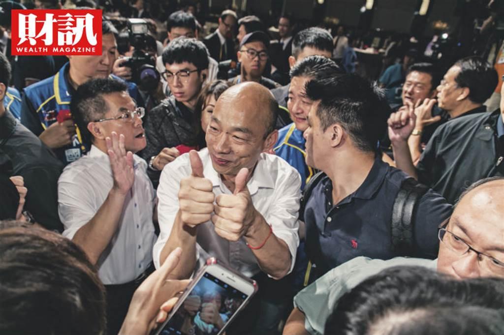 王金平子弟兵、高雄白派大將林國正(左)看好韓國瑜選情。(圖/吳尚哲攝)