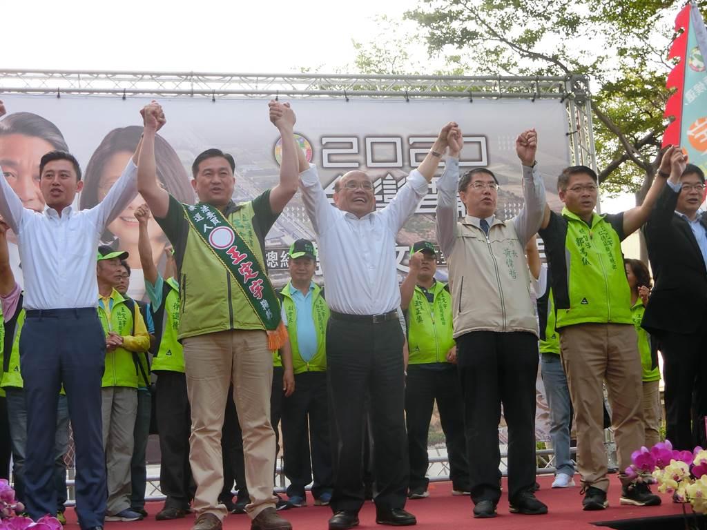 行政院長蘇貞昌今天下午到台南輔選尋求連任的立委王定宇。(曹婷婷攝)