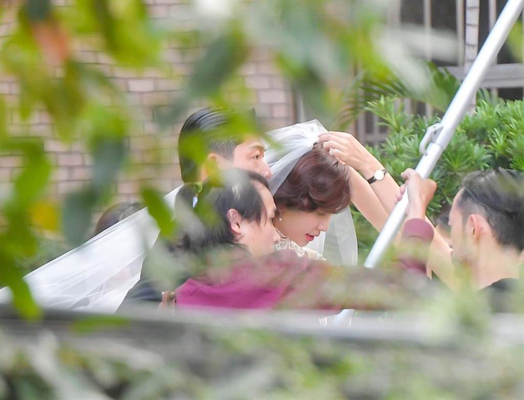 林志玲夫婦婚紗曝光。(盧禕祺攝)