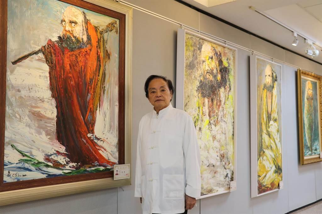 柳清松在三重社教館展出達摩畫展。(新北市社會局提供/吳亮賢新北傳真)