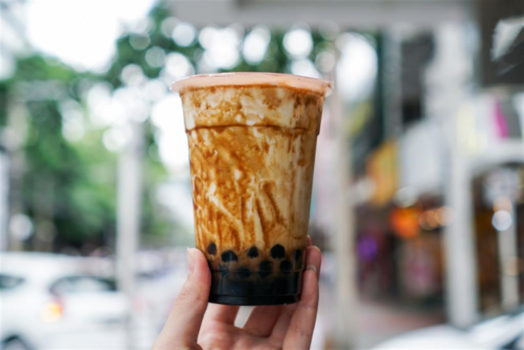 台灣黑糖珍珠奶茶今年成為南韓的人氣美食。(圖/shutterstock)