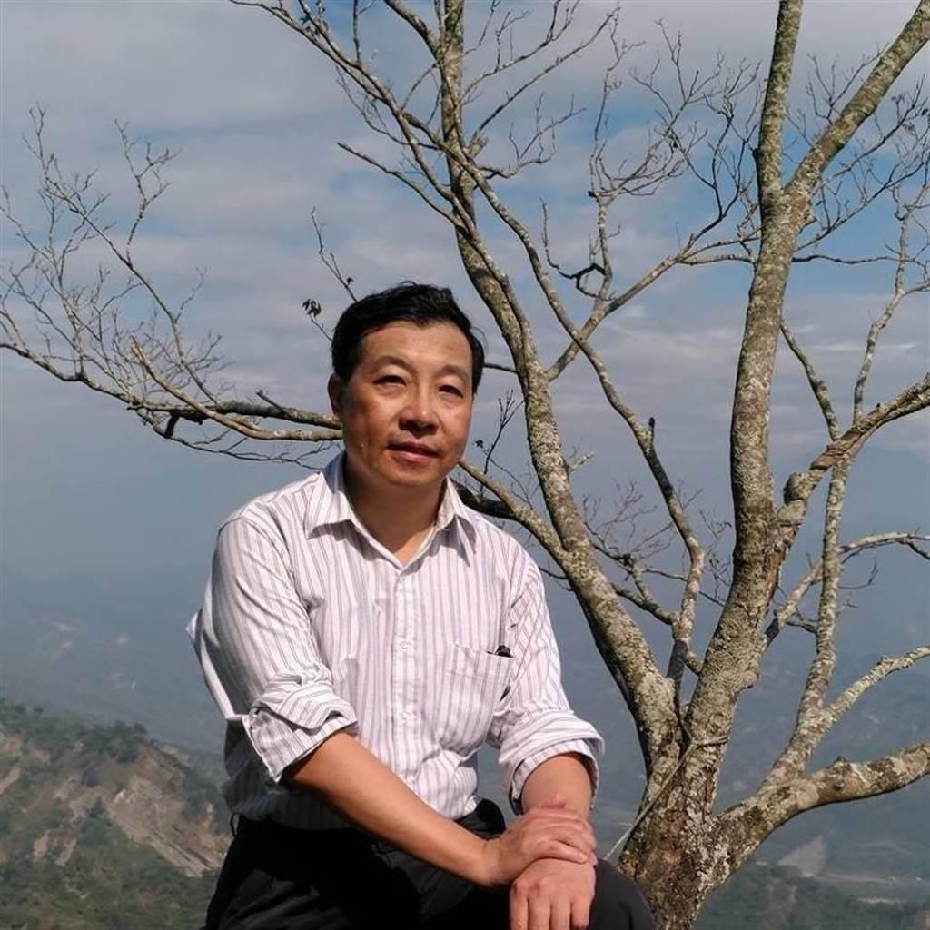 台南市立安南醫院精神科主任唐心北16日下午4時許爬山時疑似發生心肌梗塞,送醫宣告不治。(摘自唐心北臉書/程炳璋台南傳真)