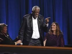 NBA》相隔45年!羅素終領名人堂戒指