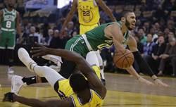 NBA》沒讓勇士爆冷 塞爾提克10連勝