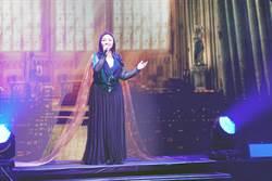 鄭怡以歌聲感謝陪她40年的好友與粉絲