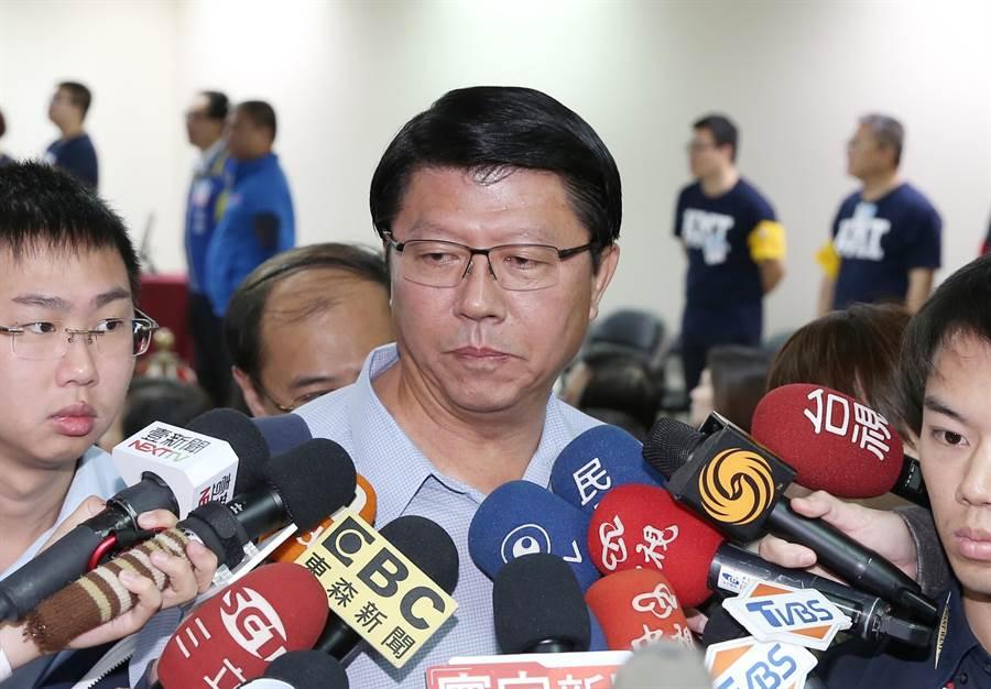 國民黨16日舉行第20屆中央委員會第3次全體會議,台南市黨部主委謝龍介表示,他會慎重考慮退出不分區名單,讓他思考2天。(姚志平攝)