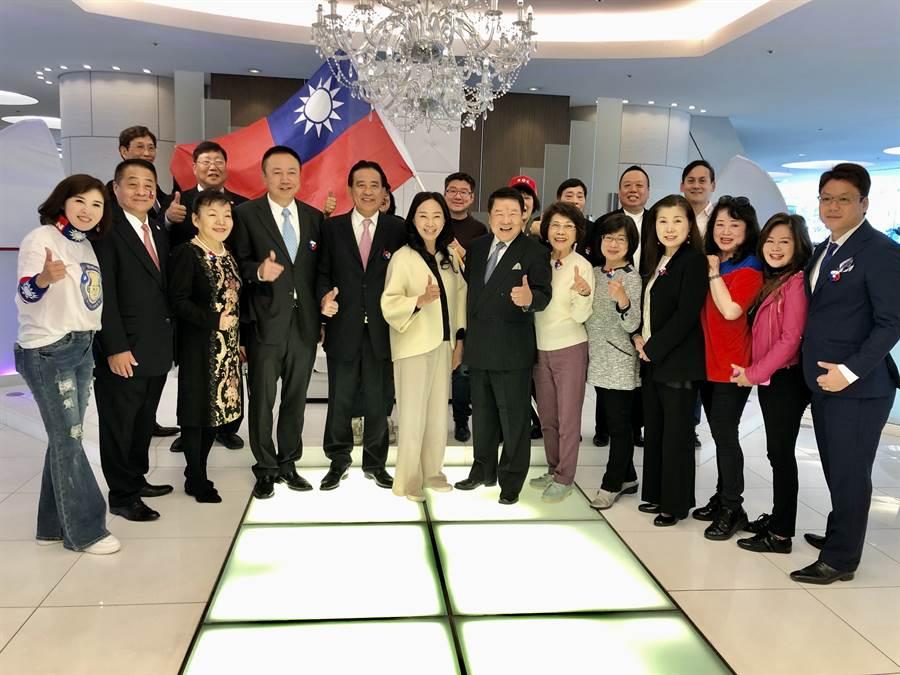 國民黨總統參選人韓國瑜的夫人李佳芬代夫出征跨海拉票,16日一早先在下榻飯店與日本僑領舉行短暫的座談會。(黃菁菁攝)