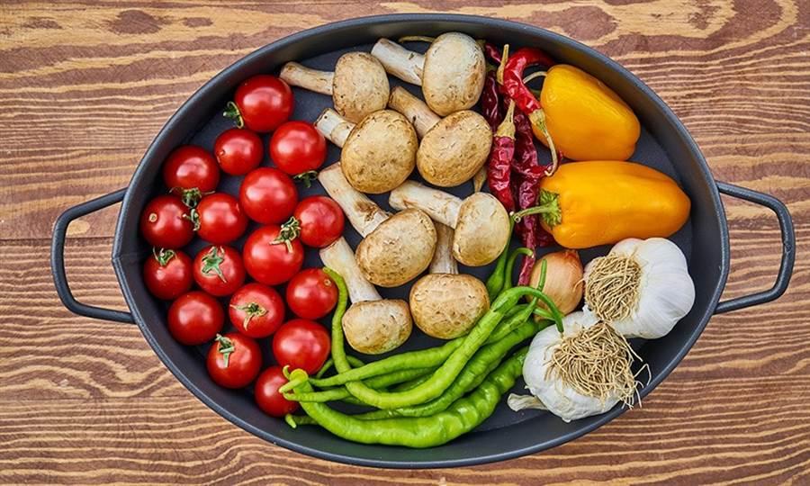 計算每日飲食份量最快的方法是諮詢糖尿病衛教師,算出每日總熱量,可以吃的食物,特別是醣類食物的份量。(圖片來源:Pixabay)