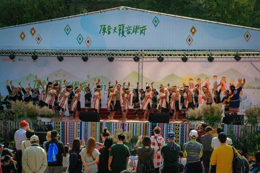 「原音天籟音樂節-原聲童唱」活動,將原住民天籟及傳統原住民舞蹈帶進都會區。(參山國家風景區管理處提供/陳淑芬台中傳真)