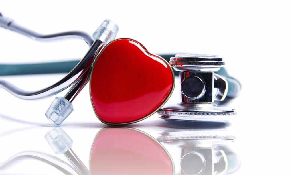 想知道你心跳的狀況,最簡單就是摸脈搏。脈搏跳得太快、跳得太慢,都是健康警訊。(圖/Pixabay )