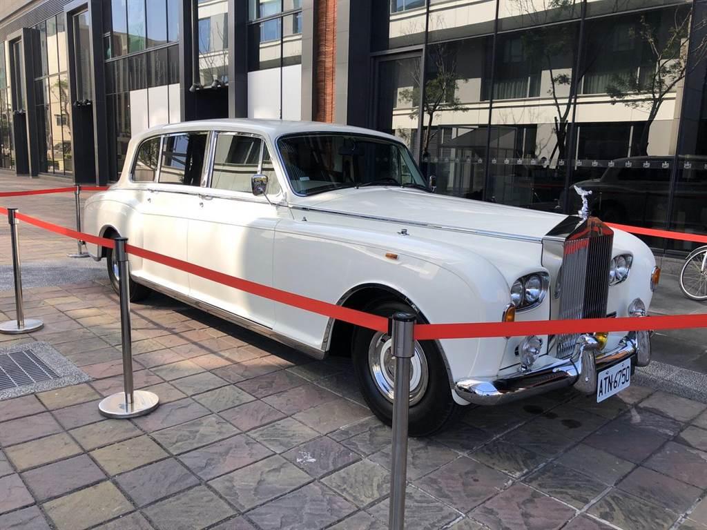 林志玲結婚禮車為勞斯萊斯Phantom VI Landaulettes,曾是摩納哥國王座駕。圖/讀者提供
