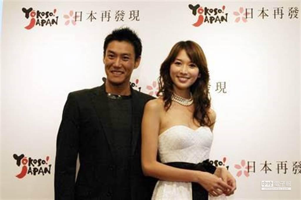 林志玲與加賀美智久當年同公司並一起主持《日本再發現》。(圖/中時資料照)