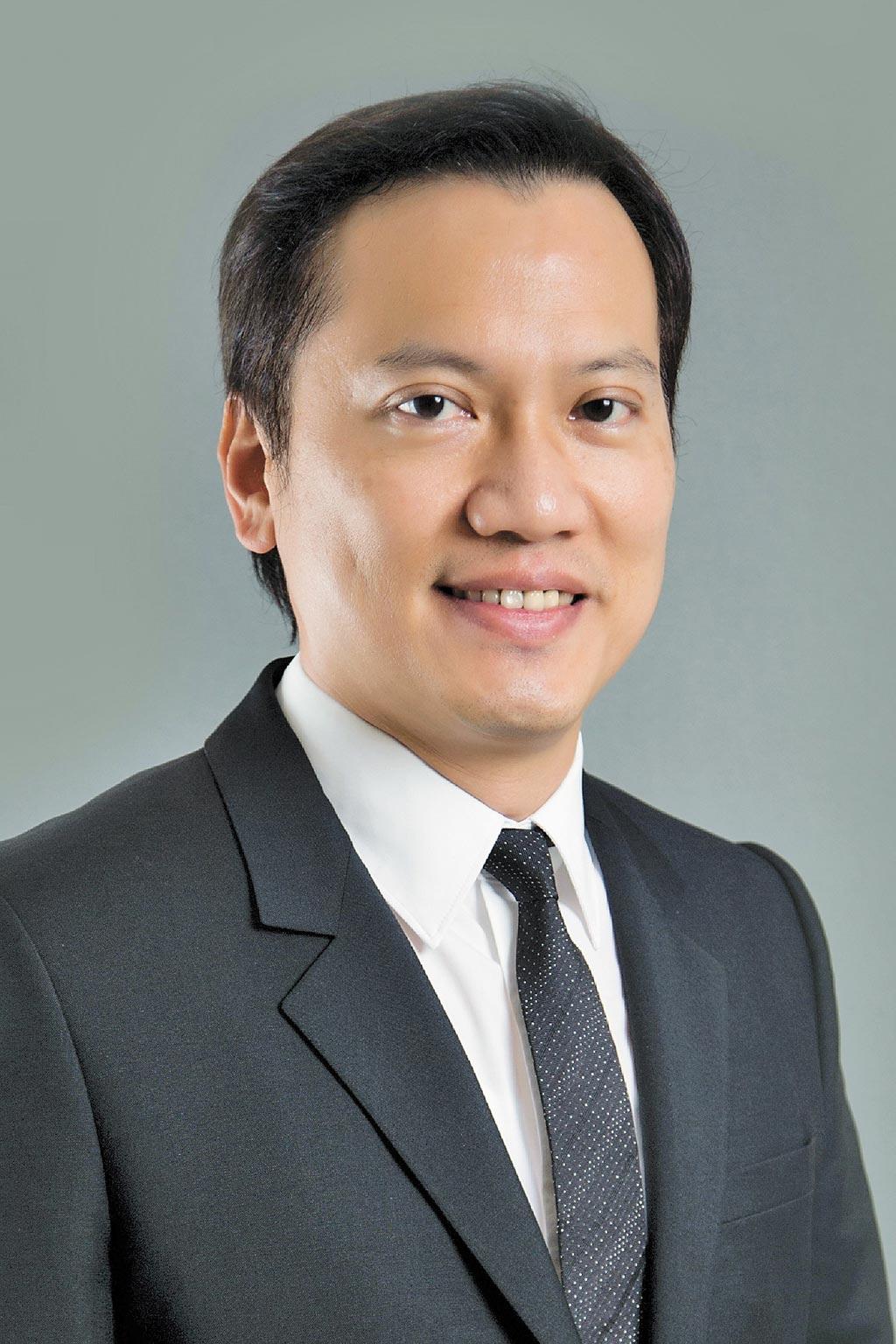 傅文芳(安永聯合會計師事務所長)