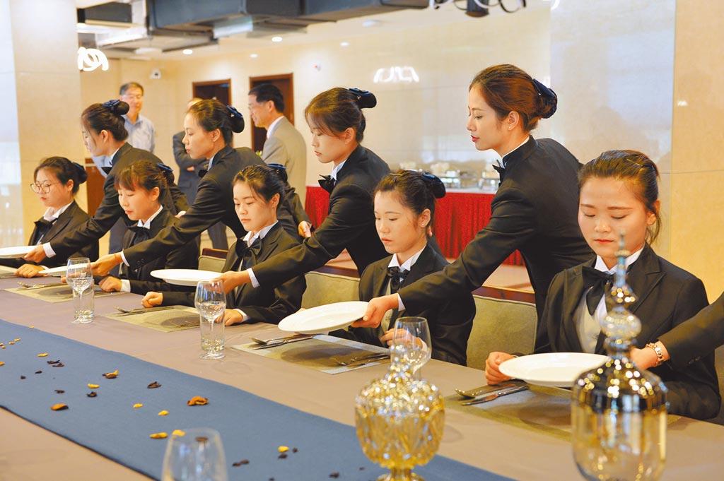 上海一所大學開設國際管家課程,培養高級管家人才。(CFP)