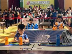 疊杯小甜心張瑜庭 10歲創多項世界紀錄