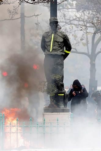 黃背心示威1周年 巴黎警民衝突  254人被捕