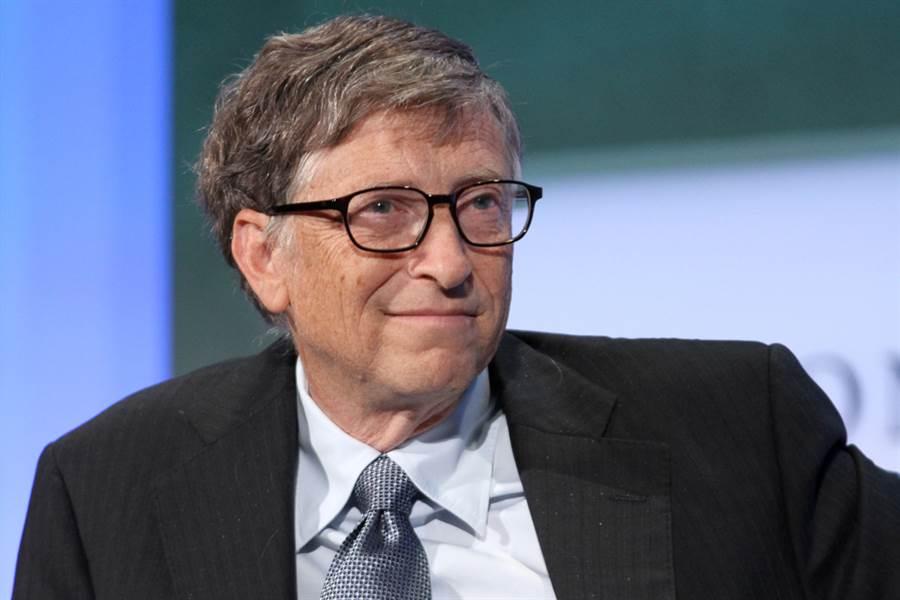 微軟創辦人比爾蓋茲近日身家超越亞馬遜創辦人貝佐斯,成為世界首富。(圖/達志影像)