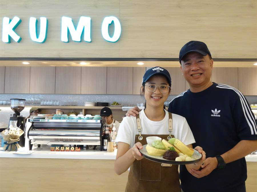 薛君柔是「風尚咖啡」董事長薛景超的么女,女兒創業,爸爸不出資,卻變身虎爸,要女兒貸款創業,他只負責給予營業經驗建議,並充當場外後援。(馮惠宜攝)