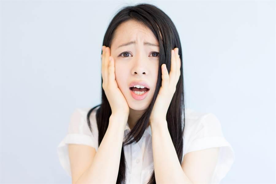 22歲美妹想愛愛,男友卻進不去。(示意圖,達志影像/shutterstock提供)